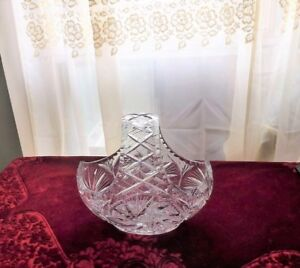 Crystal Basket Shape Pinwheel Design with Arch Handle