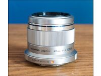 Olympus M.Zuiko Digital 45 mm f/1:1.8 ( F1.8 ) Camera Lens - Silver | Micro Four Thirds | Leeds UK