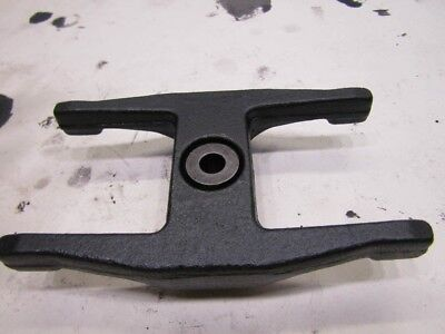 Isuzu Trooper 3.0 MK2 facelift 91-02 4JX1 camshaft bearing fork clamp