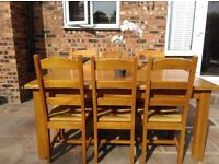 **Stunning** Oak Dining Table and Six Chairs