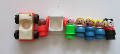 Vintage Lot of 8 Fisher Price Little People & Accessories