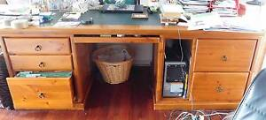 Solid timber desk Kurrajong Hawkesbury Area Preview