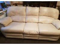 BEAUTIFUL CREAM LEATHER 3+2+1 RECLINER SOFAS - MUST GO ASAP - FREE DELIVERY SOME AREAS - £450