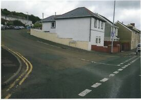LARGE COSY CLEAN BEDSIT IN NEATH ROAD MORRISTON