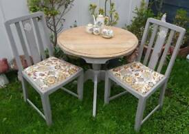 Stunning Dining Set