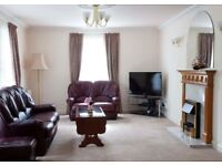 Stunning, must-see 3 bedroom (NO HMO) flat located in Merchiston available NOW
