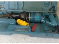 MAKITA 110 VOLT RECIPOCATING SAW IN CASE IN GOOD CONDITION AND WORKING ORDER