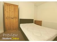 Recently renovated 1 bedroom studio apartment, close to North Hill and City Centre available 12 Oct