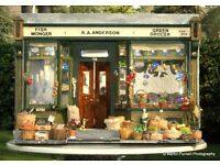 DOLLS HOUSE 'YE OLDE GREENGROCERS SHOPPE' FOR COLLECTORS, CRAFTED BY SID COOKE