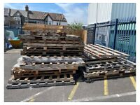 Large pallets for collection