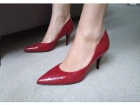 New red leather pointed stilettos shoes size 5