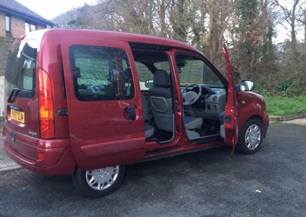 Red Renault kangoo for sale. LOW MILEAGE!!