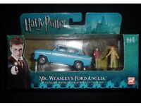 Harry Potter Mr Weasleys Ford Anglia with Figures by Corgi.