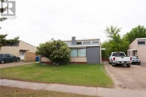 814-816 28th ST E Prince Albert, Saskatchewan