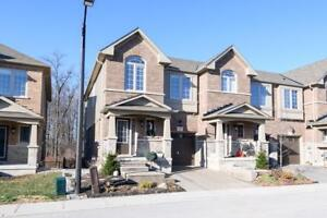 5 45 ROYAL WINTER Drive Binbrook, Ontario