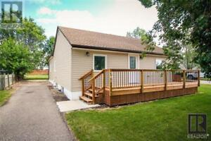 301 3rd AVE Rivers, Manitoba