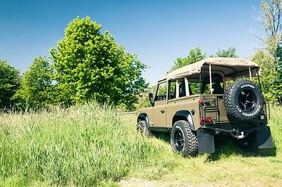 Image 21 of Land Rover: Defender…