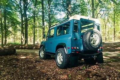 Image 22 of Land Rover: Defender…