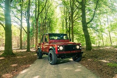 Image 23 of Land Rover: Defender…