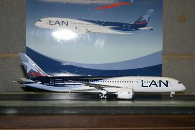 JC Wings 1:200 LAN Chile Boeing 787-9 CC-BGA (XX2228) Die-Cast Model Plane