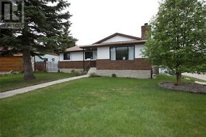 Huge Family Bungalow in Innisfail