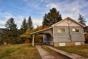 Home in south Castlegar with water views