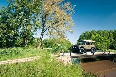 Image 19 of Land Rover: Defender…