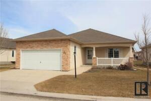 27 Wyndstone CIR East St Paul, Manitoba