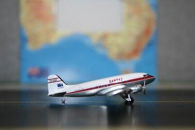 Aeroclassics 1:400 Qantas Douglas DC-3 VH-EBY (ACVHEBY) Die-Cast Model Plane