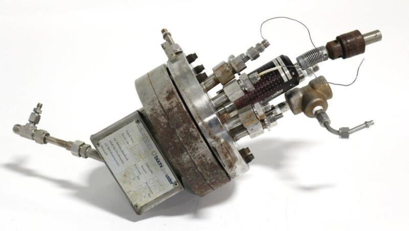 Buchi Polyclave Lab Pressure Reactor, .5 Liter w/Buchi bmd 075 Magnetic Stirrer