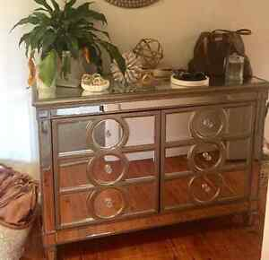 Mirrored Console Table Hamilton South Newcastle Area Preview