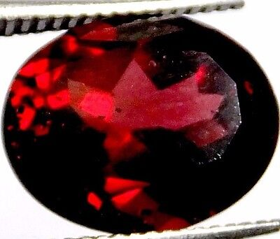 NATURAL EXCELLENT FLASHING RED GARNET LOOSE GEMSTONE (11 x 9 mm) OVAL SHAPE