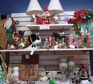 More Christmas at the Hilltop Antique Market in Delaware! London Ontario image 7