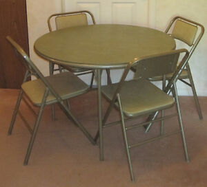 Vintage Samsonite Round Foldable Card Table and Four Chairs