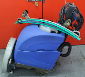 Numatic scrubber dryer Industrial hard floor cleaning machine