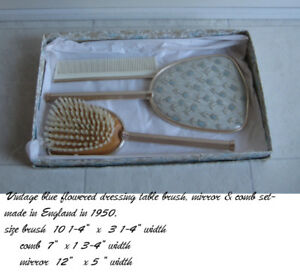 bijou-ensemble antique  mirroir et brosses