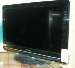 32 Aquos Sharp tv for sale