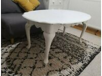 Beautiful Coffee Table in Soft White Shabby Chic Style in Excellent Condition