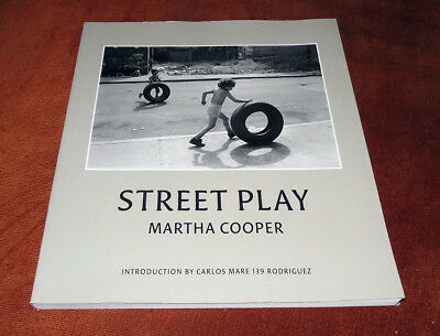 "Fotografie Buch / Magazine ""STREET PLAY"" New York Streets Martha Cooper 2006"