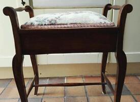 Piano/dressing table stool