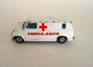 Yatming Metal Red Cross Ambulance