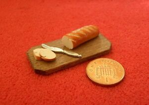 Dolls-House-Miniature-Bread-on-Bread-Board
