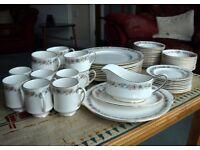 """Royal Albert Paragon """"Belinda"""" 54 pieces of bone china tableware"""