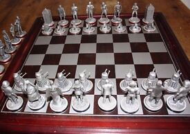 Doctor Who pewter Danbury Mint official BBC Chess Set (1992) including 38 pieces and wooden board