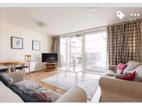 Room for rent in a spacious 2 bed flat in Limehouse/ 3min from the DLR, 2 bathrooms and a balcony