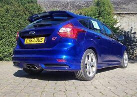 Ford Focus ST-2 -- LOW mileage -- 1 Previous Owner -- MOT until Dec 17 -- £14,900