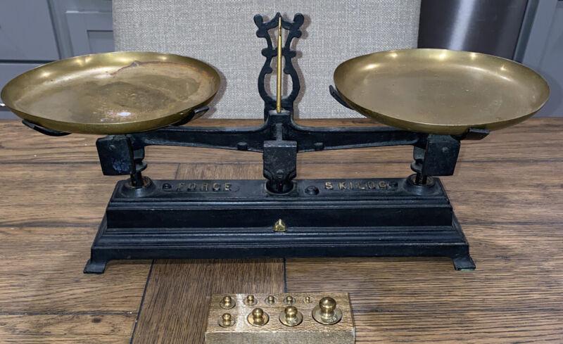 Antique Iron FORCE 5 KILOG Balance Scale Wonderful French Cast Iron & Brass 9X14