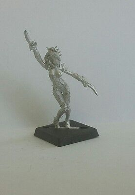 Blood Bowl / Warhammer Fantasy Football - Witch Elf Star Player Limited Edition