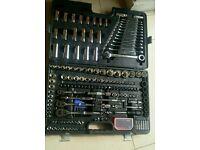 Halfords professional 200 piece socket set