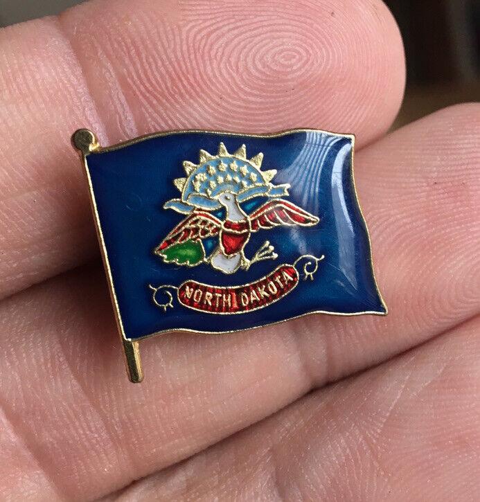 North Dakota State Flag enamel pin NOS vintage plains US hat lapel bag brooch